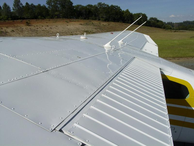 1978 Cessna 180K Skywagon II 700TT and 39 on IO-550 engine wing top