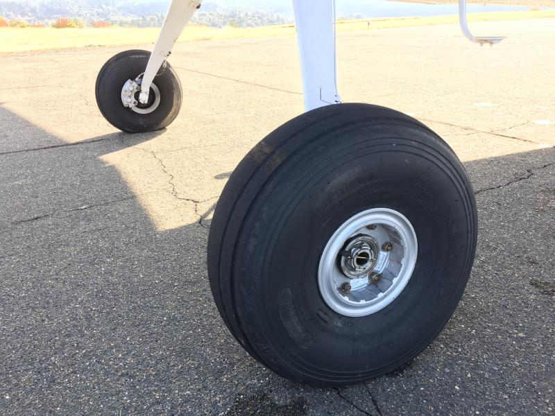 1970 Cessna A185E Skywagon Wheels