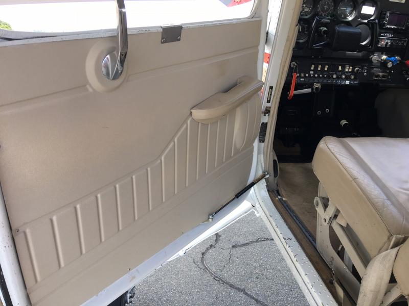 1977 Cessna 180K Skywagon Interior