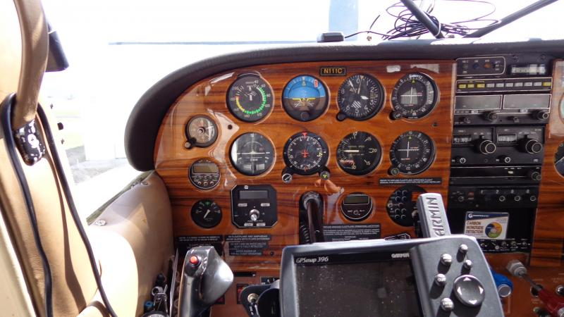 1975 Cessna 185F Skywagon Amphibian Panel